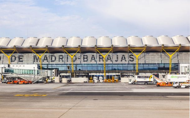 L'aéroport de Madrid-Barajas ferme ses portes face à la neige