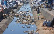 Insalubrité à Cotonou : le grand collecteur du marché Dantokpa devenu un dépotoir d'ordures